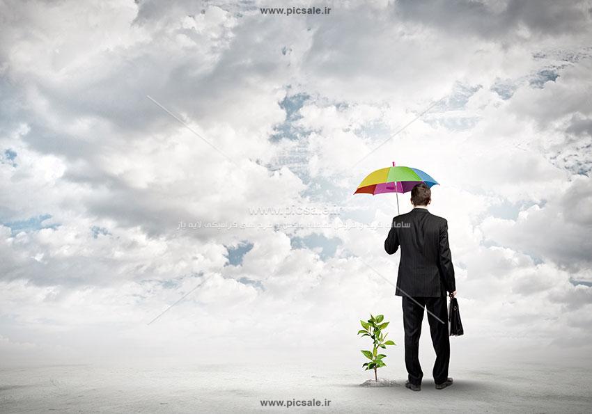 00216 - مرد یا آقای کت و شلواری با چتر رنگی
