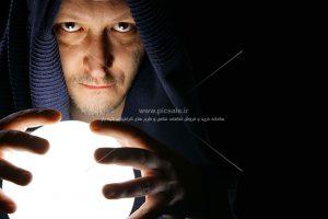 00512 300x200 - جادوگر امروزی با گوی سفید
