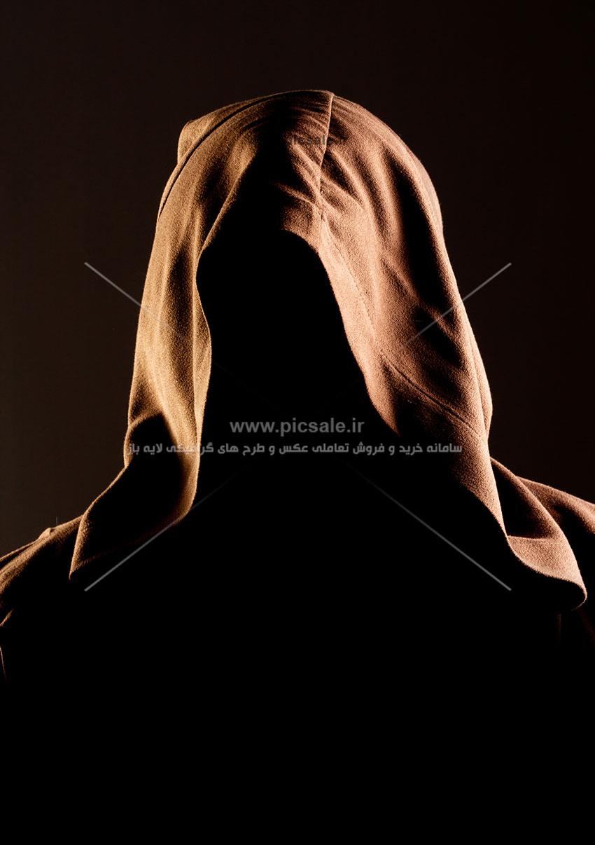 00516 - روح شیطان ترس آفرین با شنل روی سر