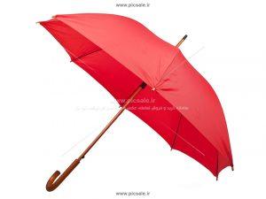 00208 300x225 - چتر قرمز با دسته چوبی