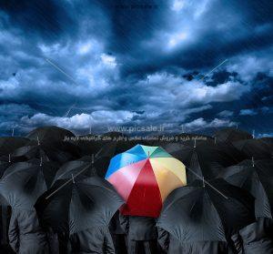 00251 300x279 - مردها با چترهای مشکی / سیاه و رنگی در هوای بارانی