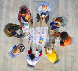 00354 300x273 - برنامه ریزی و همکاری مردها و زنان در جلسه