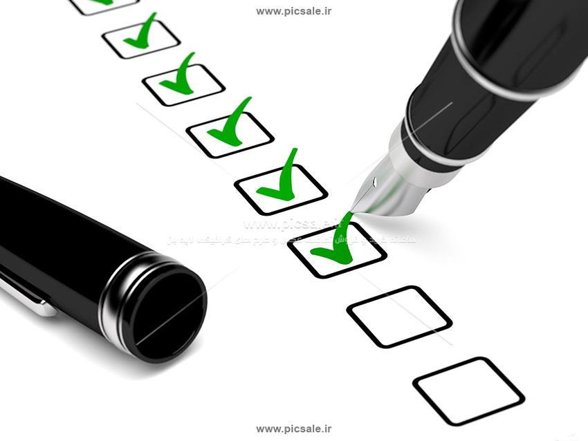 00527 - چک لیست با روان نویس سبز و تیک های زده شده / موفقیت