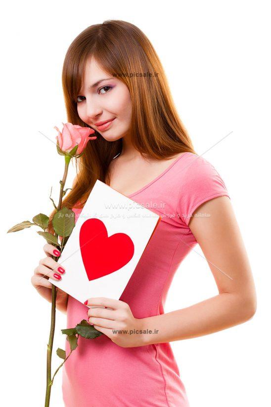 0010120 548x822 - دختر با گل و کارت قلبی
