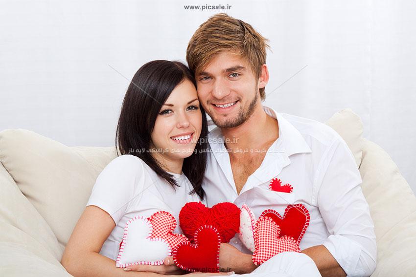 0010122 - زن و مرد با قلب های عاشقانه