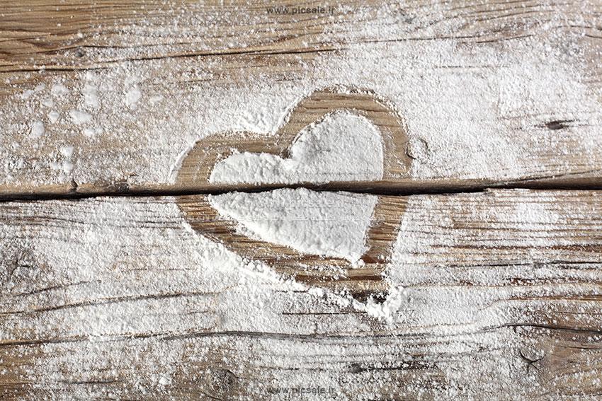 001082 - قلب با پودر سفید عاشقانه