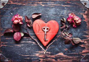 001092 300x209 - قلب صورتی عاشقانه