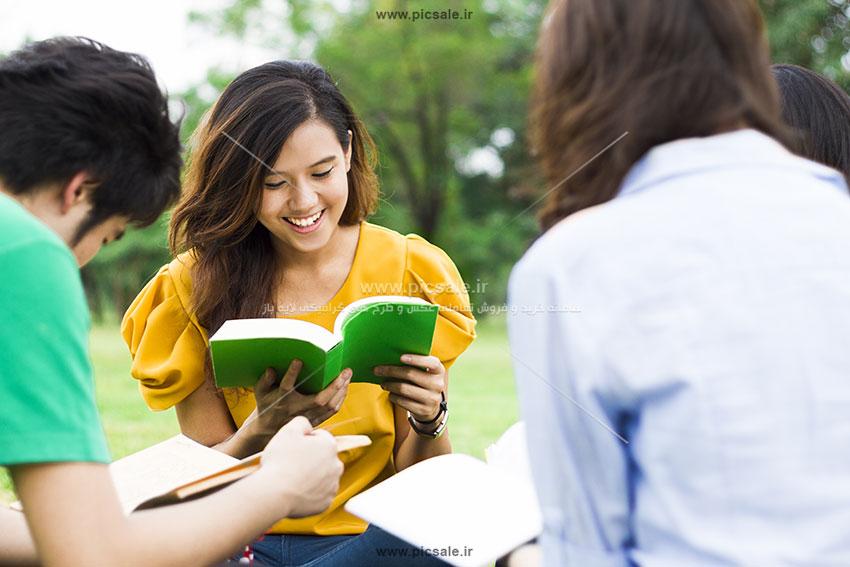 00753 - دانشجوی دختر و پسر / دانشگاه