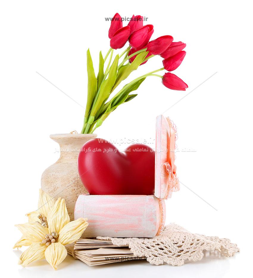 00889 - قلب قرمز عاشقانه و گلدان گل لاله