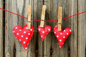 00976 300x200 - قلب های قرمز عاشقانه