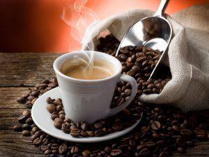 77186053 300x225 - دانلود تصویر استوک قهوه و کافه و فنجان قهوه ، دانه قهوه با کیفیت بالا