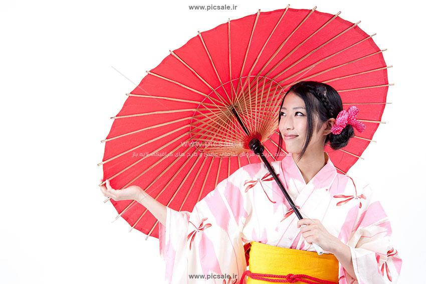 00228 - خانم / زن با چتر قرمز