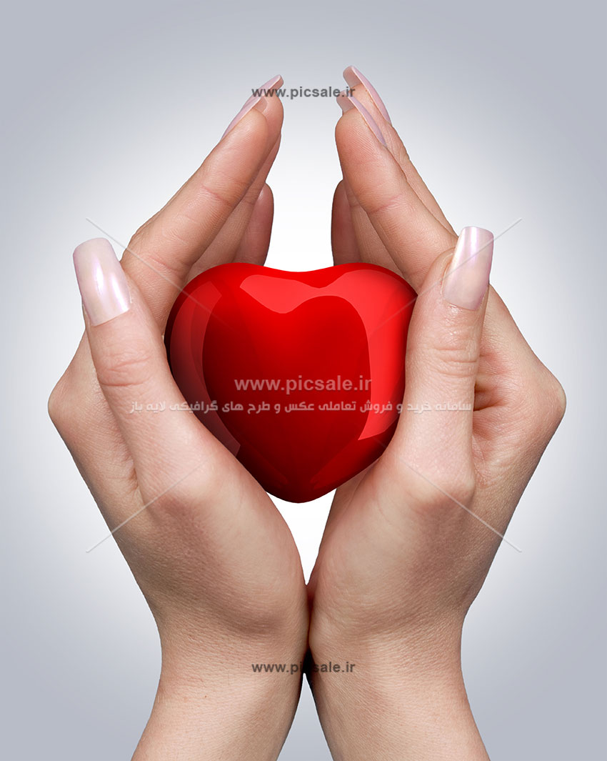 0010109 - قلب قرمز در دست عاشقانه