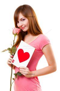 0010120 200x300 - دختر با گل و کارت قلبی