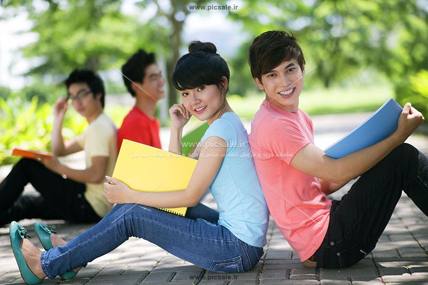 00377 - دانشجوی دختر و پسر / دانشگاه