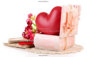 00888 300x197 - قلب قرمز عاشقانه داخل جعبه