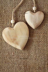 00938 200x300 - گردنبندهای قلبی عاشقانه