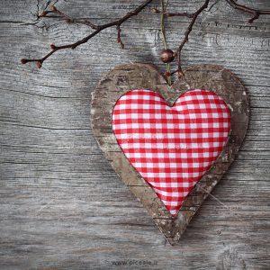 00953 300x300 - قلب پارچه ای عاشقانه